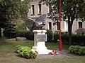 Pomnik w hołdzie poległym w II wojnie światowej w Drezdenku - panoramio.jpg