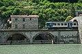 Ponte della Maddalena con treno.jpg