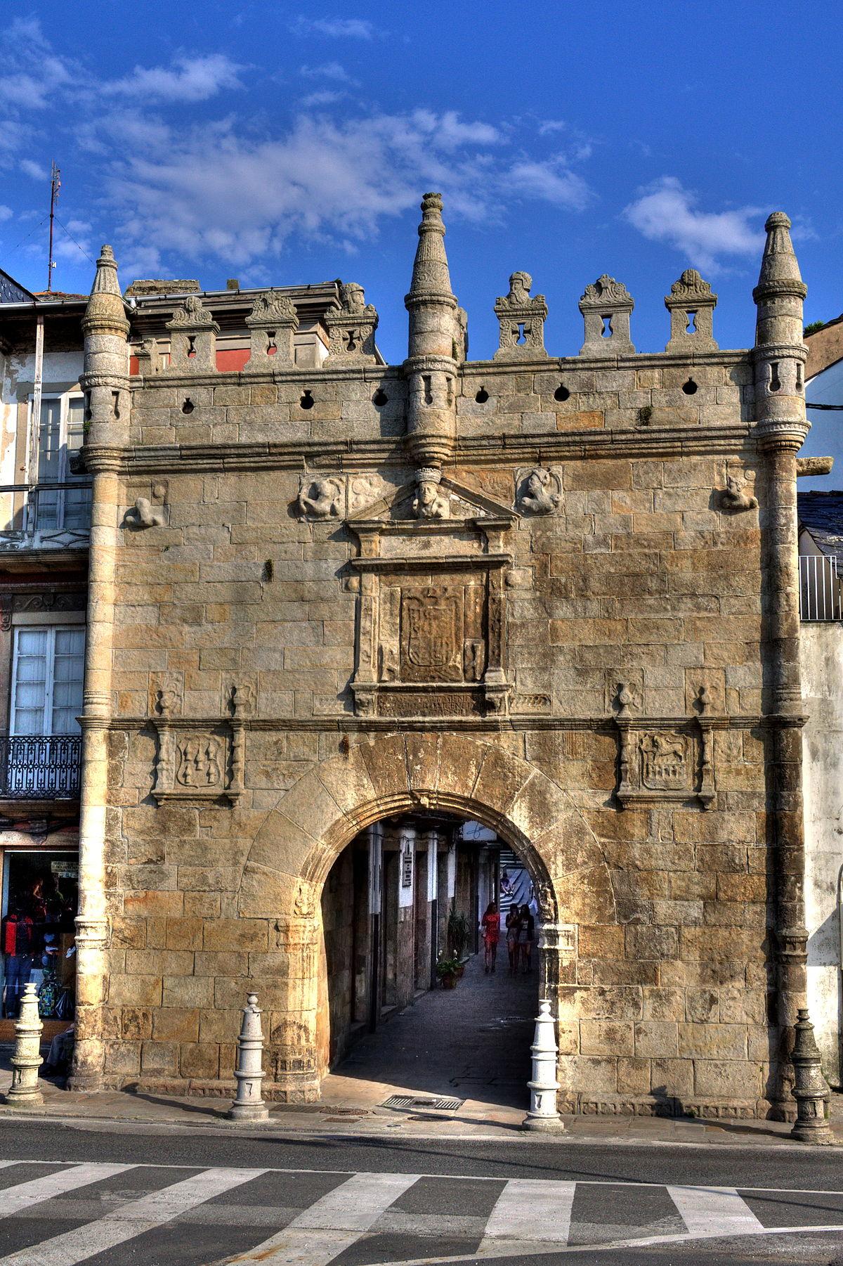 Puerta del castillo del puente wikipedia la - Porta carlo alberto treviso ...