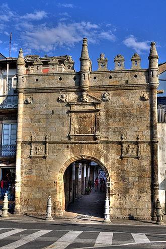 Viveiro - Carlos V Gate.