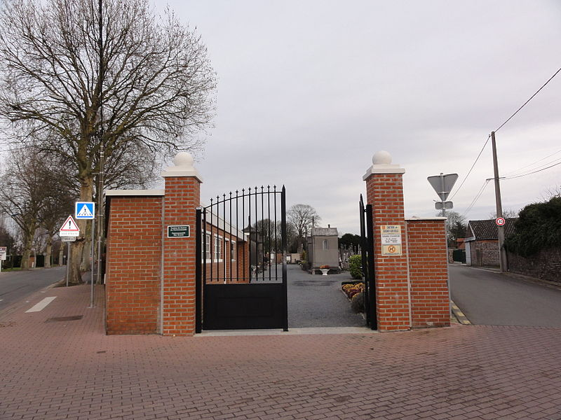 Entrance of the communal cemetery of Quesnoy-sur-Deûle