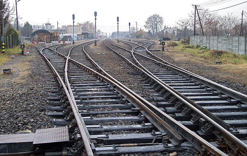 파일:Railroad-Gyula-b.jpg