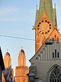 Reformiertes Fraumünster mit Kreuzgang 2012-09-15 19-18-45.jpg