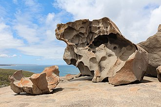 Flinders Chase National Park - Image: Remarkable Rocks 03