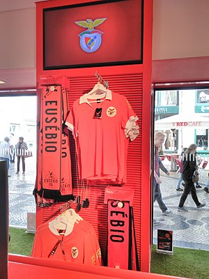 1972–73 S.L. Benfica season - Replica of the shirt used in this time period