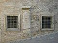 Resti della Porta Belisario Urbino.JPG