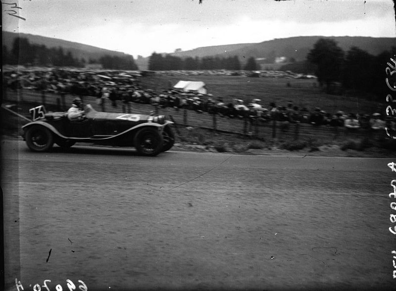 File:Robert Benoist at the 1929 24 Hours of Spa.jpg