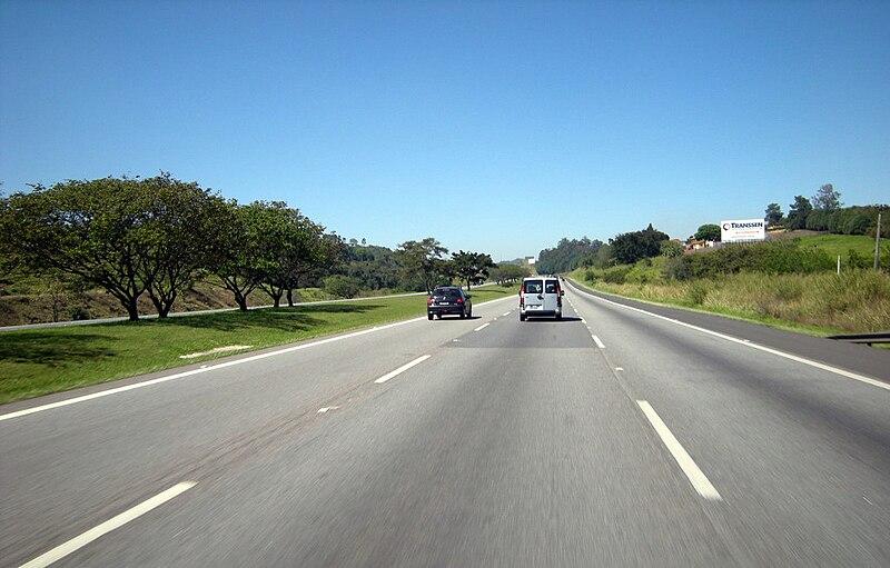 Ficheiro:Rodovia-dos-Bandeirantes-Santa-Bárbara-d'Oeste-SP.JPG