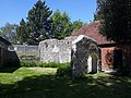 Ruined building, Priory Park Chichester 01.jpg