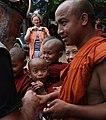 Sagaing-Aung Myae Oo-Klosterschule-04-Moenche-gje.jpg