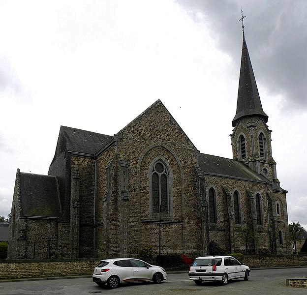 Église Saint-Médard de Saint-Mars-sur-Colmont (53). Flanc nord.