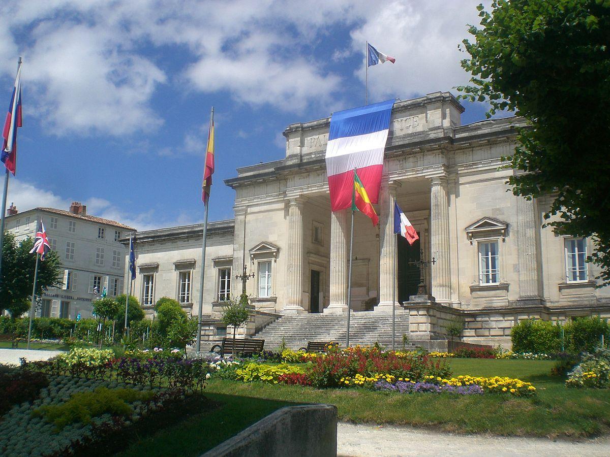 Palais De Justice De Saintes  U2014 Wikip U00e9dia