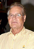 Salim Khan . w okularach