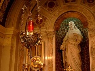 Sanctuary lamp - A sanctuary lamp in a Roman Catholic church