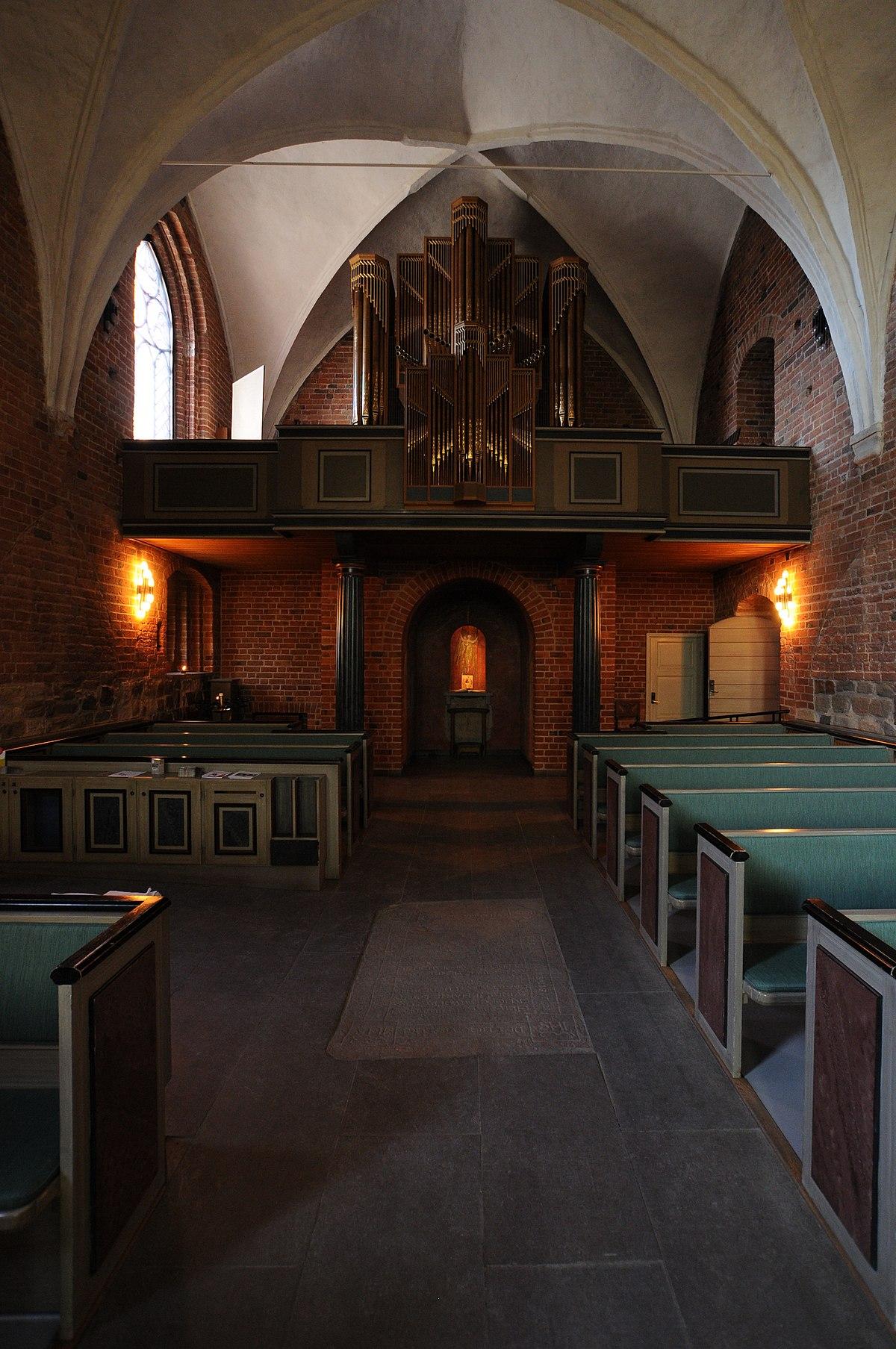 Fil:Sankt Peters Klosters kyrka, interir garagesale24.net Wikipedia