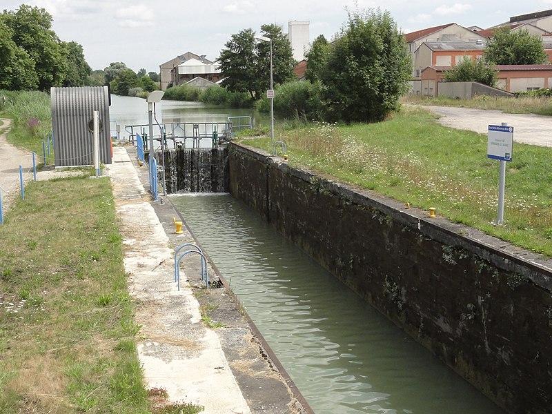 Sermaize-les-Bains (Marne) canal de la Marne au Rhin, écluse