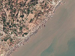 Shipwrecking in Alang, India, 2017-03-23 by Planet Labs.jpg