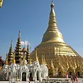 Shwedagon Pagoda and other religious sites 21 (cropped).jpg
