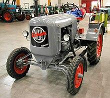 1 Scheinwerfer-Einsatz für Eicher Raubtierserie Traktor an Motorhaube Einstelbar