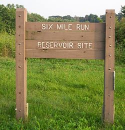Six Mile Run Reservoir sign (2006).jpg