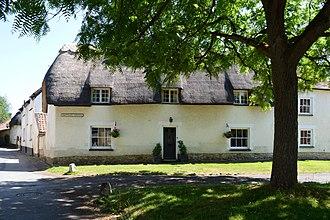 Haddenham, Buckinghamshire - Thatched cottage beside Skittles Green