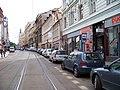 Spálená, občasná zastávka Lazarská, parkující auta.jpg