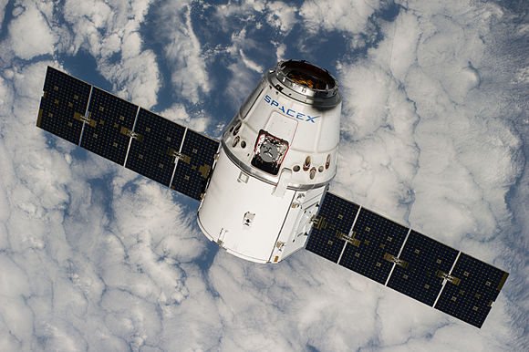 dragon spacecraft video - HD 4256×2832