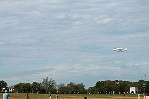 Space Shuttle Discovery over DC - Stierch T.jpg