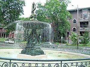 St. James–Belgravia Historic District - St. James Court fountain
