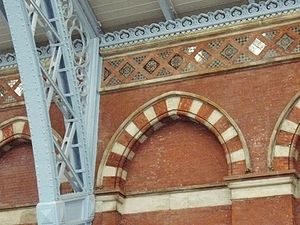 St Pancras railway station - Decorative elements used within the station