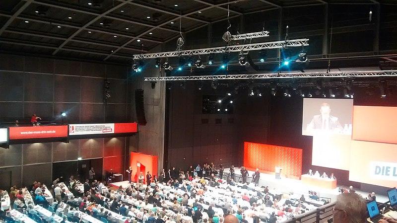 File:Stadthalle bielefeld parteitag linke 2015.jpg