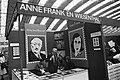 Stands met herdenkingszegels van Anne Frank en Simon Wiesenthal, Bestanddeelnr 930-2227.jpg