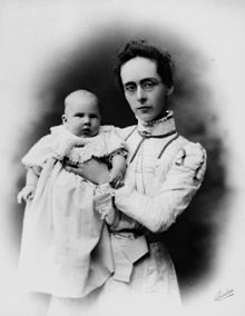 StateLibQld 1 117976 Rose Simmonds and unidentified child.jpg