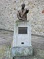 Statue of Robinson Mitchell, auctioneer - geograph.org.uk - 1064041.jpg