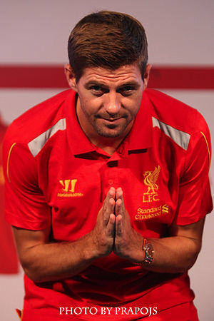 Bowing - Steven Gerrard performing a wai