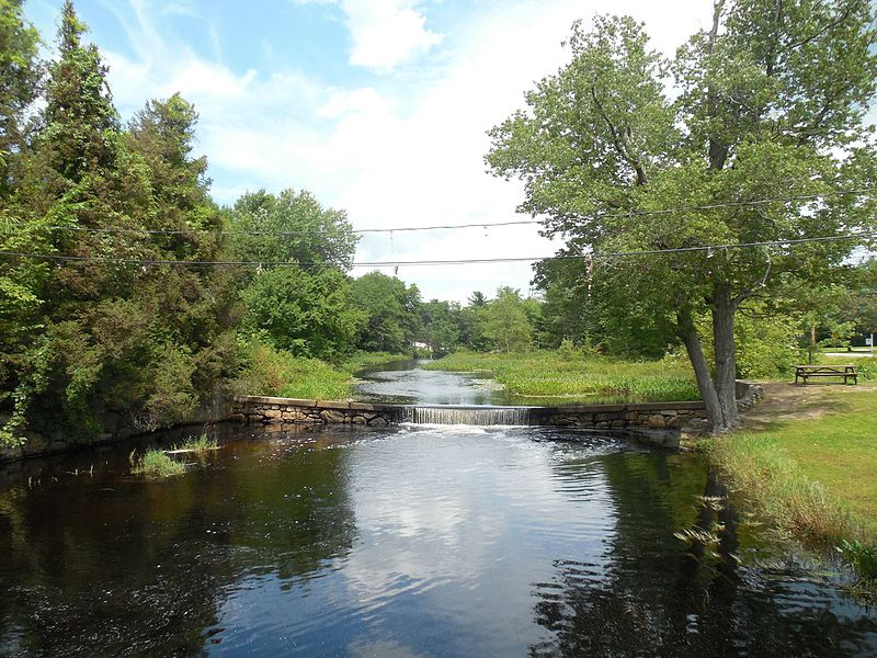 File:Sucker Brook, Auburn NH.jpg