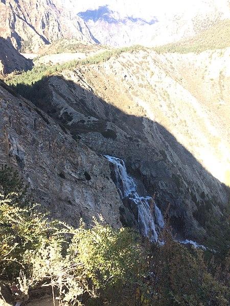 File:Suligard Waterfall Dolpa.jpg