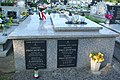 Symbolic grave of Tadeusz Prochownik with national colors decorated (2020)a.jpg