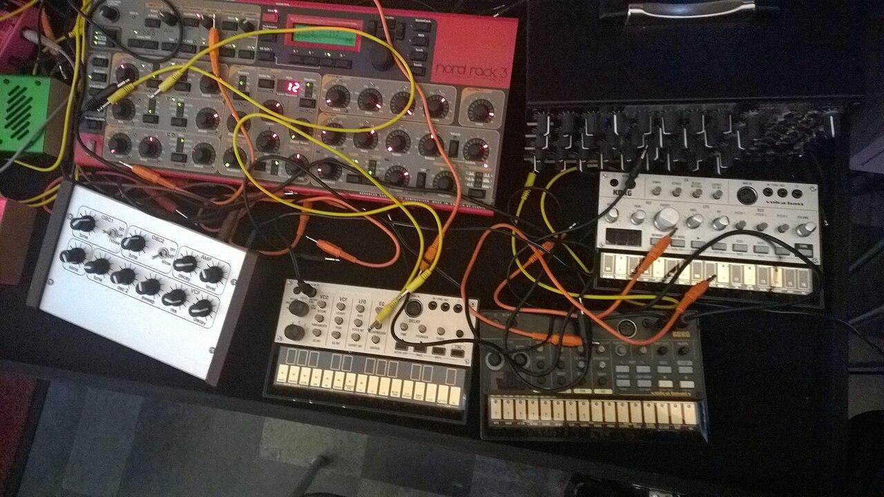 file synths nord rack 3 korg volca bass rhythm keys unidentified modular synthesizer. Black Bedroom Furniture Sets. Home Design Ideas
