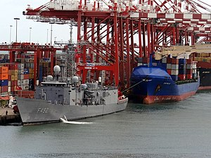 TCG Gemlik (F-492) docked at the port in Colombo..jpg