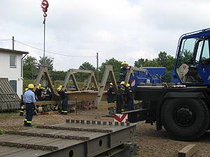 THW Ausbildung Brückenbau.jpg