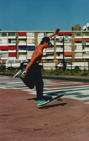 Freestyle skateboarding - A freestyle skateboarder performing a tailwheelie grab.