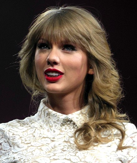 Taylor Swift was awarded the IFPI Global Recording Artist of 2014 Taylor Swift Red Tour 5, 2013.jpg