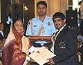 The President, Smt. Pratibha Devisingh Patil presenting the Rajiv Gandhi Khel Ratna Award for the year-2009 to Shri Sushil Kumar for Wrestling, in a glittering ceremony, at Rashtrapati Bhawan, in New Delhi on August 29, 2009.jpg