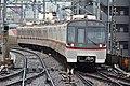 Toei 5300 series at Heiwajima Station (47983952208).jpg