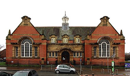 Toxteth library, designed by Thomas Shelmerdine Toxteth library 201712.jpg