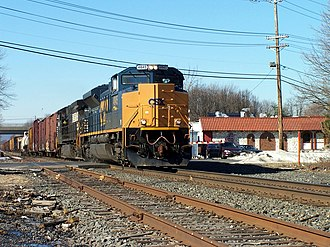 South Plainfield, New Jersey - CSX Train Q410 going through the Metuchen Road Crossing in South Plainfield in 2005