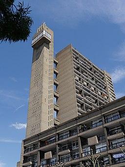 Trellick Tower 02