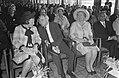 Uitreiking Erasmusprijs 1968. Na de prijsuitreiking prinses Beatrix en Henry Moo, Bestanddeelnr 921-3148.jpg