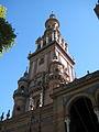 Una torre en la plaza de Espana en Sevilla.JPG